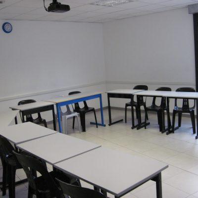 Salle de cours équipée